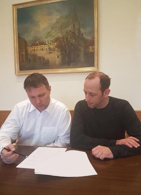 Bürgermeister Andreas Babler, MSc mit TBVG Geschäftsführer DI Markus Bartlweber