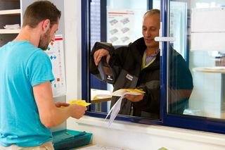 Speditionskaufleute sind die Schnittstelle zu Kunden, Partnern, Fahrern, Lieferanten, Reedereien und Flughäfen.