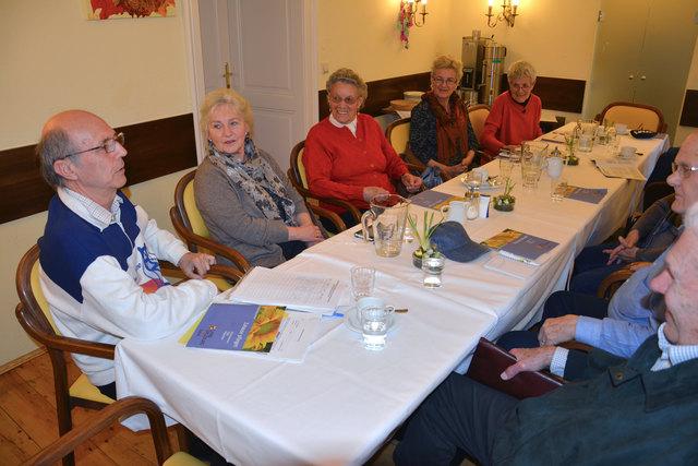 Das Alzheimer Café Salzburg – Anregungen, Ermutigungen und Rückhalt für Angehörige von Menschen mit Demenz