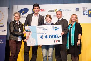 Landesrätin Petra Bohuslav, Manuel Authried, Daniela Nord, Stefan Zach und RIZ-Geschäftsführerin Petra Patzelt.