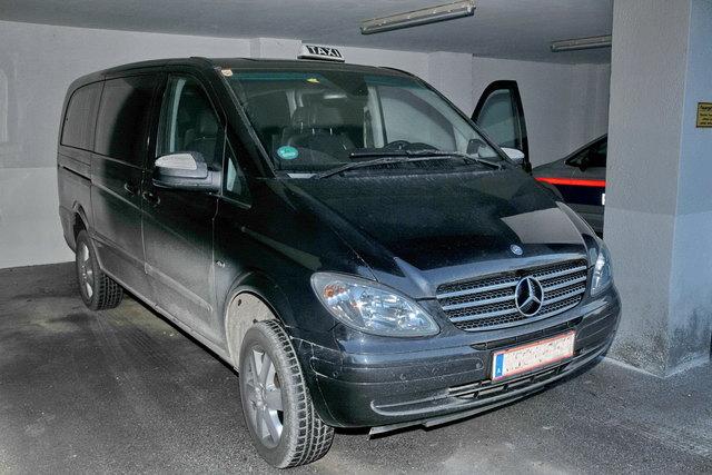 Wer hat dieses Taxi – mit Kitzbüheler Kennzeichen – am 2. Februar beobachtet? Die Polizei sucht Zeugen.