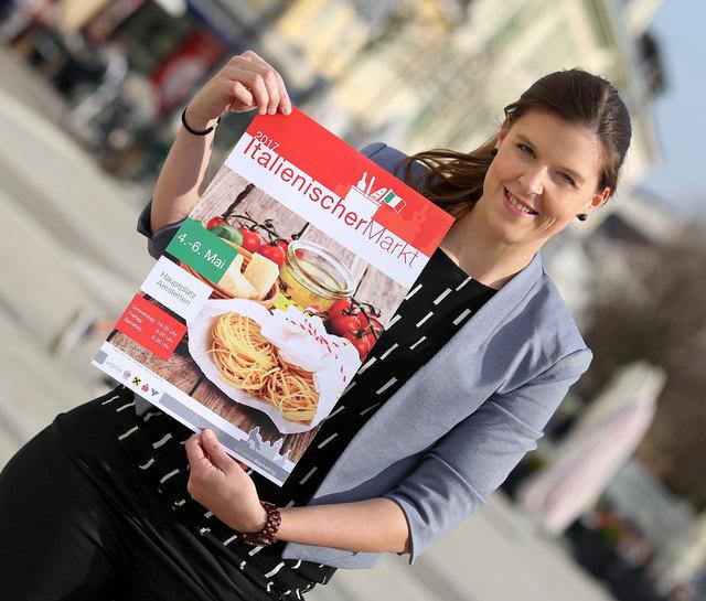 Stadtmarketing-Geschäftsführerin Maria Ettlinger bringt italienisches Flair in die Innenstadt.