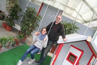 Gärtner Michael Kraic und seine Lebensgefährtin Ursula Michel sorgen in der Gärtnerei für ein angenehmes Umfeld.