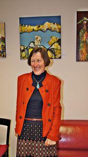 Die Künstlerin Irmgard Töpfer bei der Eröffnung