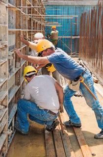 Unterentlohnung von Arbeitern ist strafbar.