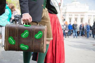 Die Steirer ziehen am Donnerstag, 6. April, am Rathausplatz ein.