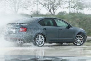 Škoda Octavia RS: TSI hat seine Herde um zehn auf 230 Pferde vergrößert: 350 Nm, in 6,7 Sekunden von 0 auf 100.