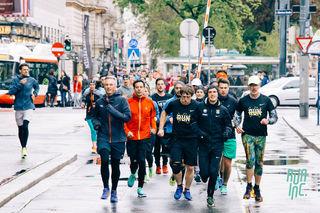 Rund 60 Hobbyläufer folgten Valentin Pfeil einmal um die Wiener Ringstraße.