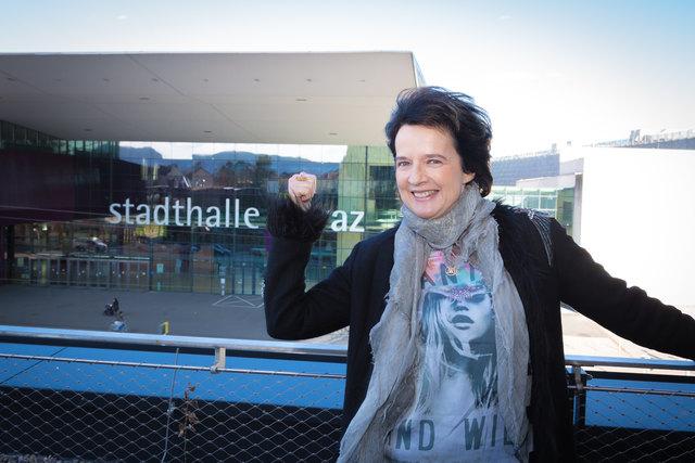 """Bald ist es soweit: Monika Martin wird an ihrem Geburtstag in der Grazer Stadthalle bei der """"Sehnsucht nach Liebe""""-Tour auftreten und viele ihrer Hits zum Besten geben."""