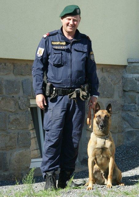 """Leopold W. und Diensthund """"Franky"""""""