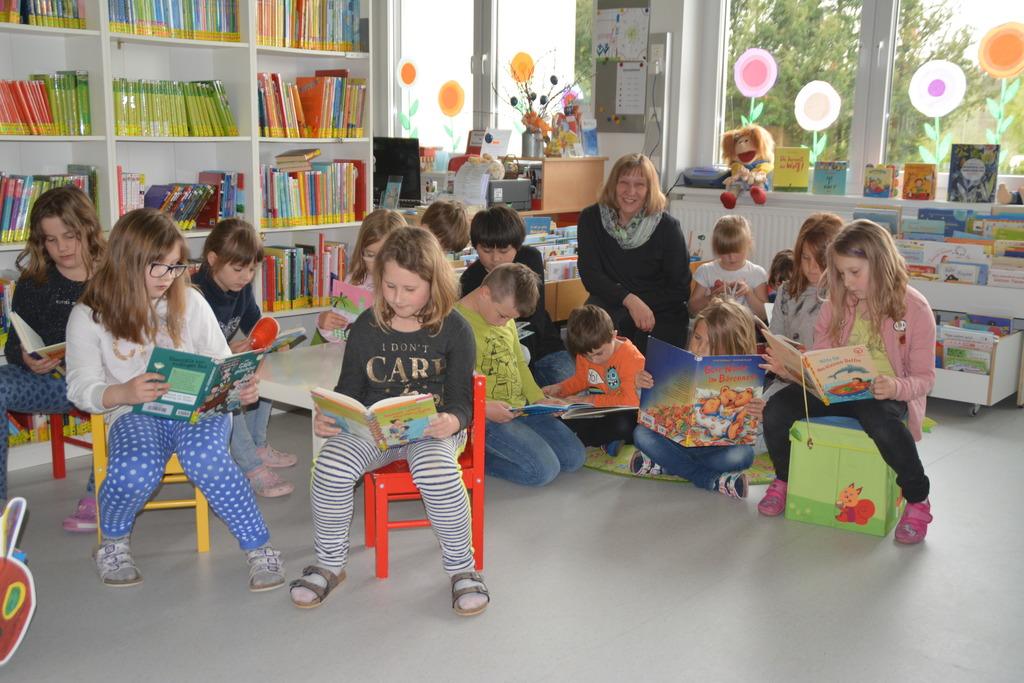 Die Bücherei in Litzelsdorf bietet auch eine große Anzahl an Kinderbüchern.