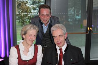IBK-LAND: Agnes, Hermann und Sohn Johannes Steixner vom Hotel Gasthof Handl