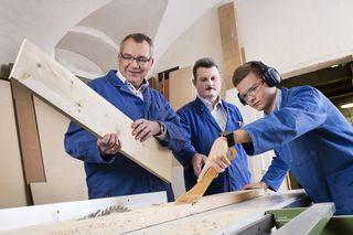 Arbeitslandesrat Johannes Tratter freut sich, dass das Tiroler Engagement für die Lehre auch außerhalb des Landes positiv auffällt.