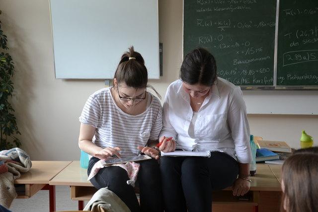 Die Schüler des Elisabethinums St. Johann arbeiten derzeit in einem Projekt 100 Jahre Geschichte auf.