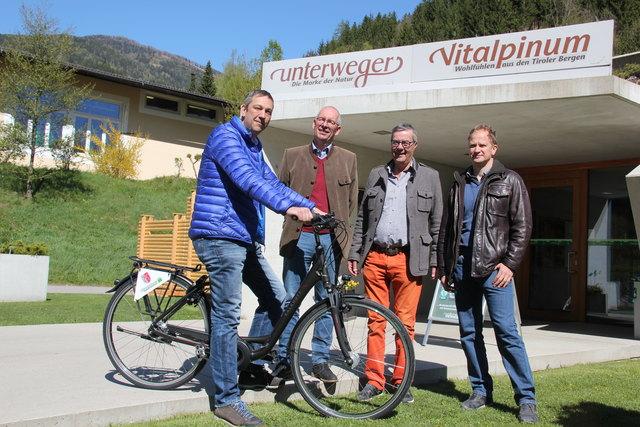 Vizebürgermeister Harald Stocker, Michael Unterweger, Karl-Fritz Schmidhofer (Papin Sport) und Stefan Unterweger.