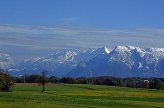 Tennengebirge, Hagengebirge, Göll und Untersberg, von Maria Bühel aus gesehen.