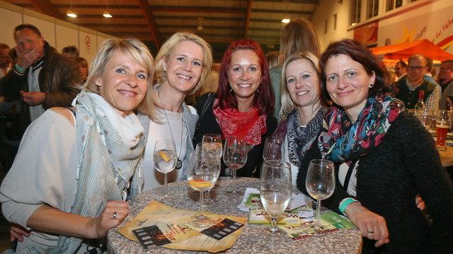 Vergnügten sich am Spitzberg: Melanie, Christine, Beate, Doris und noch einmal Doris (v.l.) aus Redlham.
