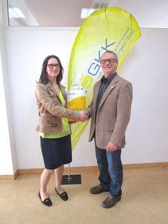 Zahnärztin Anita Nourani mit Bernhard Rauner von der NÖGKK.