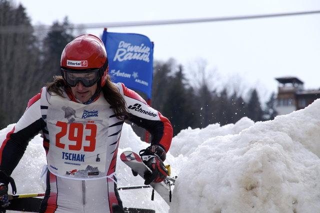 Tschag Gredler vom SC Mayrhofen wurde in der Gruppe Ski männlich 50 Vierter mit einer Zeit von 09:45,85. Im Gesamtranking heißt das der 32. Platz.