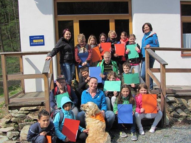 Ein erster gemeinsam Ausflug begeisterte Kinder und Hündin Sascha.
