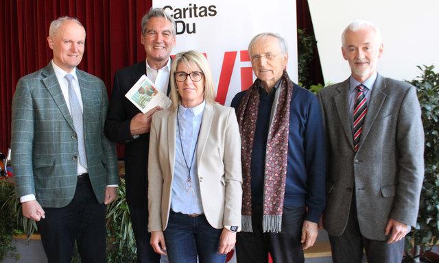 Karl Lamp, Georg Schärmer, Vizebgm. Lydia Unterguggenberger, Paul Zulehner und Dekan Bernhard Kranebitter (v.l.)