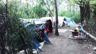 Dieses illegale Zeltlager bei der Aigengutstraße wurde vom städtischen Erhebungsdienst geräumt.