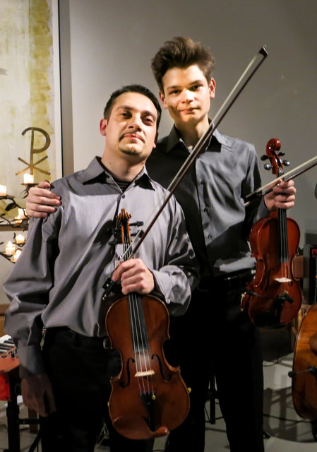 """Two Violins mit Bach in Jazz"""