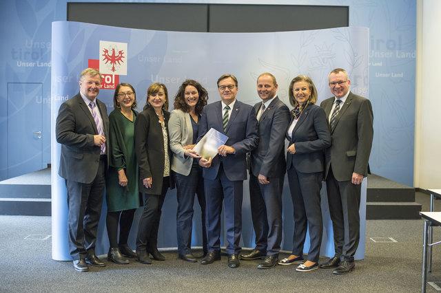 Die Tiroler Landesregierung präsentierte ihre Vier-Jahres-Bilanz 2013 bis 2017.