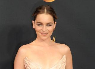 Emilia Clarke zieht sich wieder vor der Kamera aus.