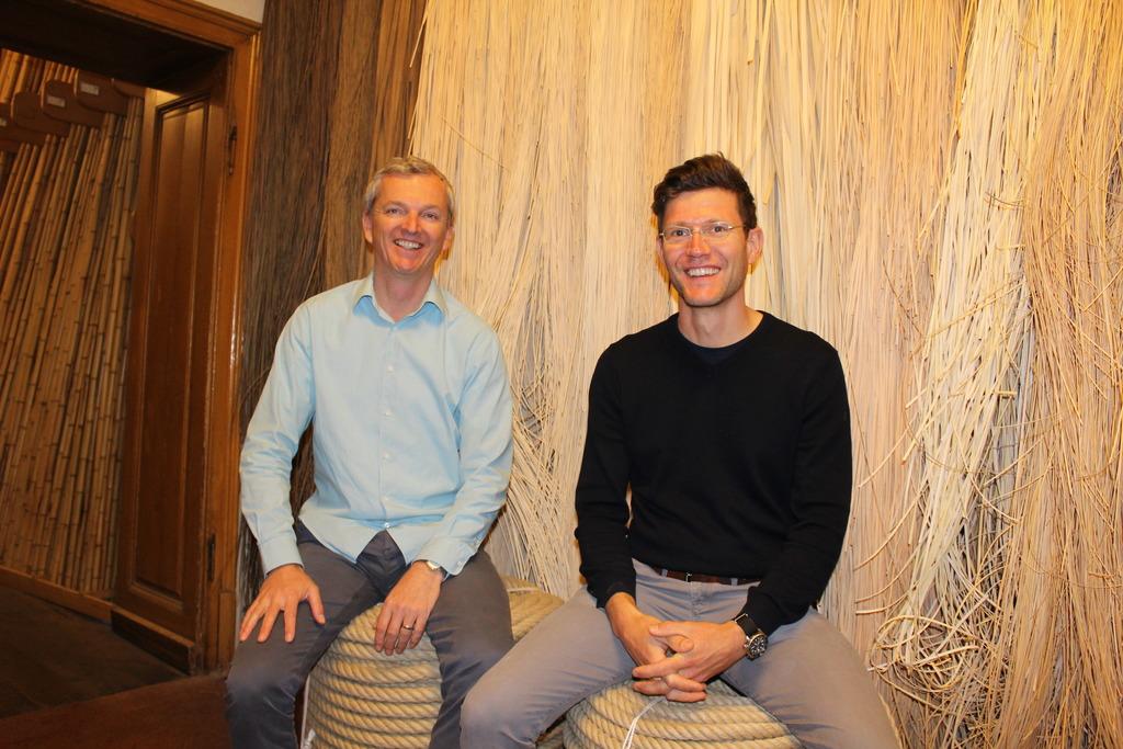 Gerald Egger-Lampersberger und sein Angestellter Georg Winner sind Experten im Bereich Naturmaterialien.