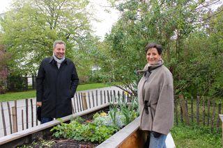 Edith Wildmann und Peter Leeb von der Initiative FRISCH wünschen sich für die Allgemeinheit mehr Freiräume auf der Schmelz als nur den kleinen Schmelzgarten