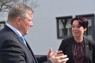 """""""Missstände beseitigen."""" LR Bernhard Tilg und BR-Präsidentin Sonja Ledl-Rossmann sind sich einig."""