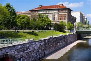 Erweiterungsbau des MAK Wien in der Weißkirchnerstraße angrenzend an den Stadtpark, 1906 entworfen von Ludwig Baumann, fertiggestellt 1908, 1949 Behebung der Kriegsschäden 1989 Generalsanierung