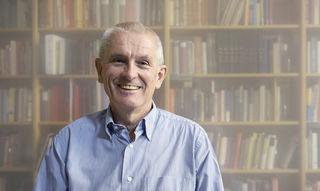 Der Linzer Ökonom und Kulturhistoriker Walter Ötsch ist ab Freitag im Moviemento zu sehen.