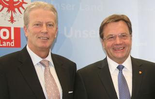 Ein Bild aus besseren Zeiten: Reinhold Mitterlehner beim Tirol Besuch bei LH Platter