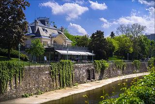 Besonders wenn das Wetter so schön ist wie jetzt, genießen sowohl Wiener als auch Touristen sehr gerne den Ausblick von der Terrasse der Meierei im Stadtpark.