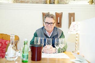 Auf verdeckte Mission begab sich auch Weinprofi Peter Moser vom Fallstaff-Magazin. In eigenen Kojen und verdeckt wurden die Weine präsentiert.