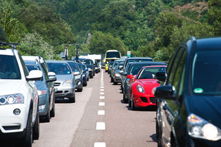 Verkehr ist das Sorgenkind Nummer eins in OÖ: Die Werte von Stickstoffdioxid sind an manchen Stellen zu hoch.