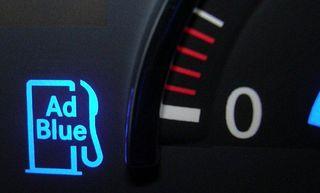 Ist AdBlue die Zukunft für umweltfreundliches Fahren? Andreas Obereder, Geschäftsführer der Obereder GmbH in Sigharting, ist davon überzeugt. Seit 2007 vertreibt das Unternehmen die Lösung AdBlue