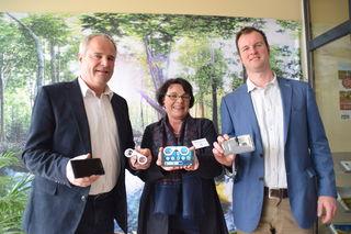 Ursula Artner-Rauch mit Landtagsabgeordneten Hermann Haller und Leader Region-Geschäftsführer Günther Laister.
