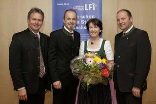 LK-Präsident Josef Hechenberger wurde im Zuge der Jubiläumsfeier zum neuen Vorsitzen- den des LFI Österreich gewählt. (von links: ÖR Franz Titschenbacher, Ing. Josef Hechenberger, ÖR Elisabeth Leitner, LH-Stv. ÖR Josef Geisler)