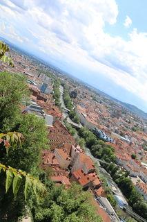 Kunsthaus, Murinsel, Mur, Aussicht vom Grazer Schloßberg über Graz