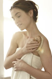 Sanfte Massagen harmonisieren den ganzen Körper.