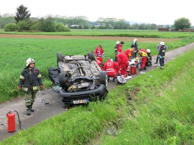 Die Stadtfeuerwehr Oberwart und das Rote Kreuz waren nach einem schweren Verkehrsunfall im Einsatz.