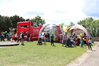 Die Art-Sat-Scheibe und das Kleine-Zeitung-Kinderprogramm am Schloßbergfest