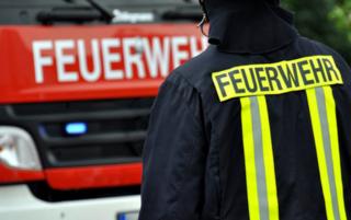 Die Villacher Feuerwehr rettet einen Mann, der in seiner stark verrauchten Wohnung schlief