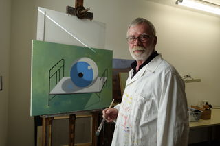 Ernst Reyer in seinem Atelier.