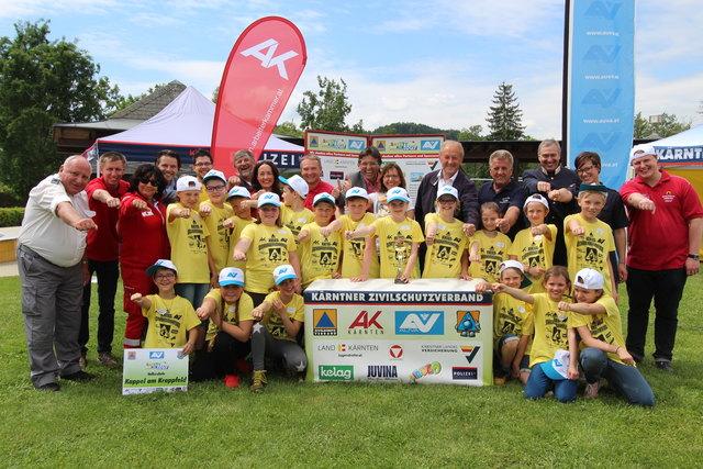 Die Siegerklasse der VS Kappel am Krappfeld mit dem Team des Kärntner Zivilschutzverbandes