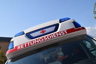 Die Lenkerin wurde unbestimmten Grades verletzt und von der Rettung ins UKH Klagenfurt gebracht