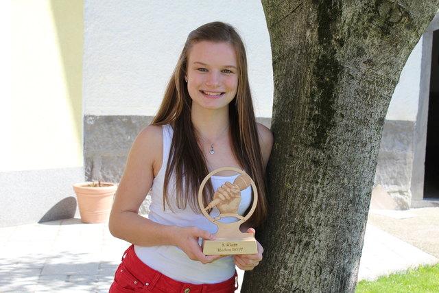 Christina Endmayer aus St. Marienkirchen siegte beim Landesbewerb der Landjugend im Reden. Jetzt darf sie im Juli ihren Bundestitel verteidigen.